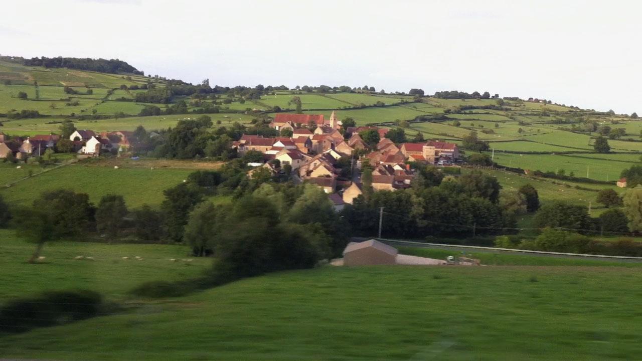 vaux-en-pre-village