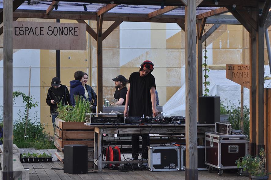 DJ_02