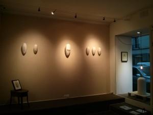 """Vue de l'exposition """"De la brèche jaillit l'écume"""" à Artistik Reso, © Cyrielle BRÉAN"""
