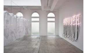 Christian Boltanski, Vue de l'exposition Faire-part, 2015, Galerie Marian Goodman, crédits à l'artiste et à la galerie.